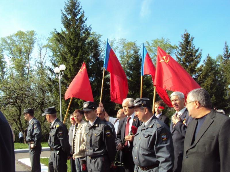 8 Мая по приказу Рязанских властей полиция отсекла красные знамёна от Дня Победы!