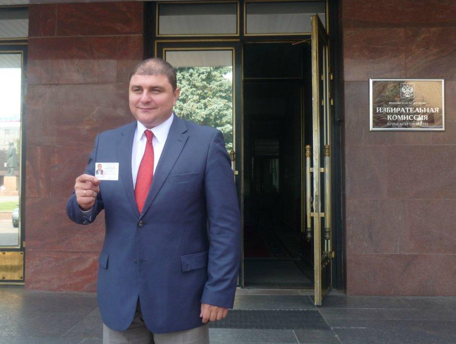 Взят первый рубеж! Избирком зарегистрировал В.В. Потомского кандидатом на должность Губернатора Брянской области