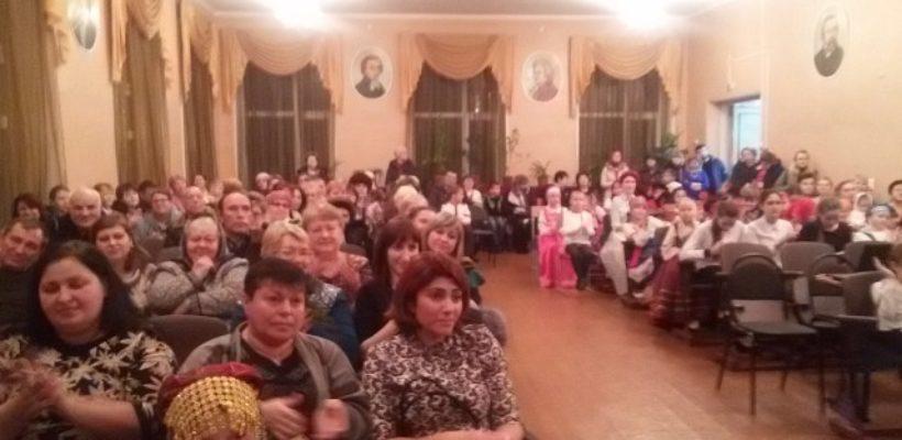 Сасовские коммунисты поздравили школьников и учителей с наступающим Новым Годом
