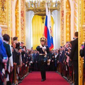 Доктор политических наук С.П. Обухов - «Свободной прессе»: В Кремле идут схватки бульдогов под ковром