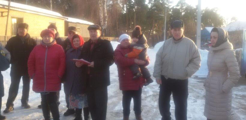 Депутат КПРФ встретился с жителями Солотчи