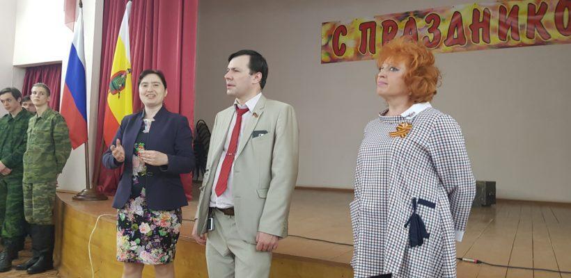 Депутаты-коммунисты в канун Дня Победы выступили перед студентами автотранспортного техникума