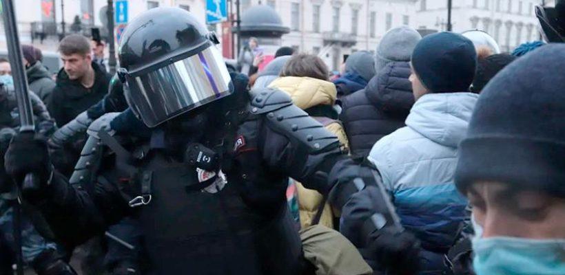 Зачем власти разгоняют протестующих?