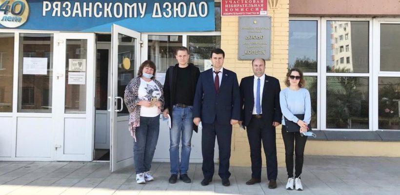 Олег Лебедев продолжил объезд избирательных участков в Рязанской области