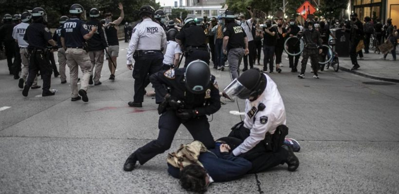 В США генералы отказались подавлять массовые беспорядки