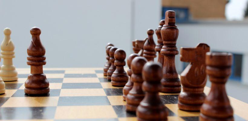 Играйте в шахматы! КПРФ запускает курс онлайн-уроков с опытным тренером
