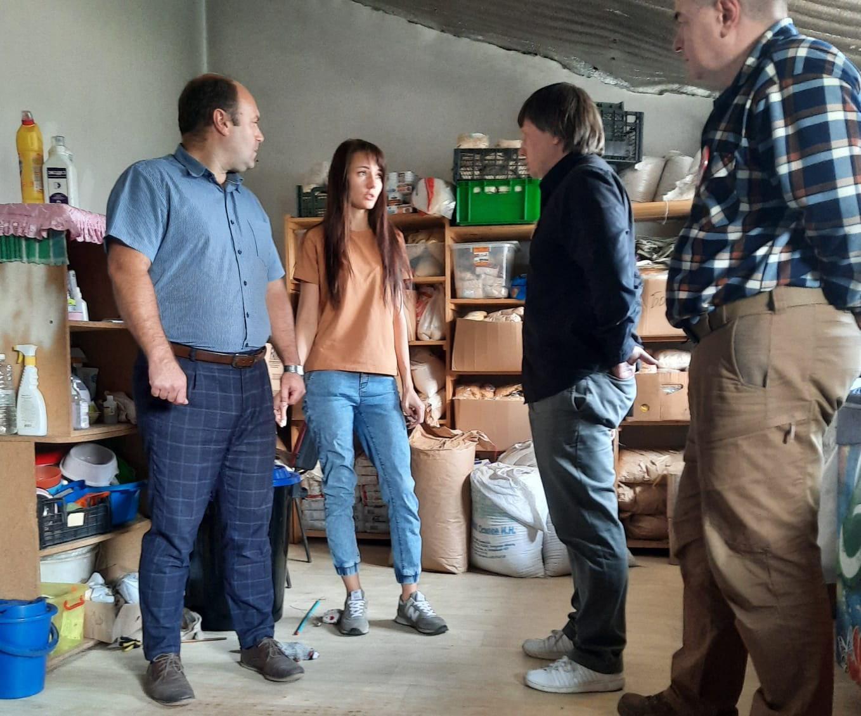 Денис Сидоров и Олег Струков помогли приютам Рязани