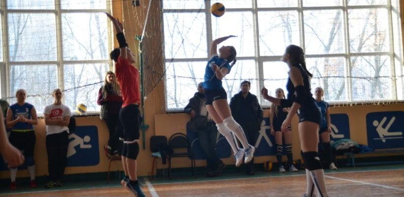 В Рязани прошёл турнир по волейболу в честь 100-летия Ленинского комсомола