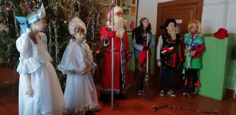 Шацкие коммунисты помогли организовать детский праздник