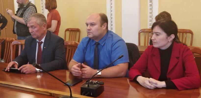 Избранным по партийным спискам депутатам Рязанской городской Думы вручили временные удостоверения