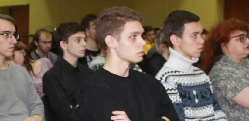 Коммунисты встретились со студентами политехнического колледжа