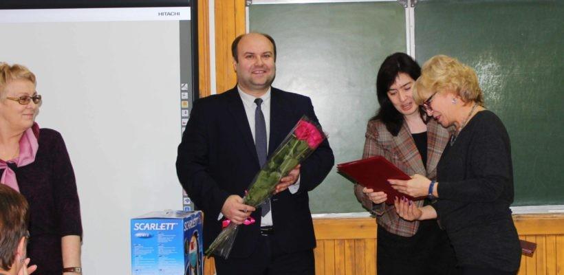 Депутаты-коммунисты Рязанской городской Думы поздравили педагогов с наступающим праздником