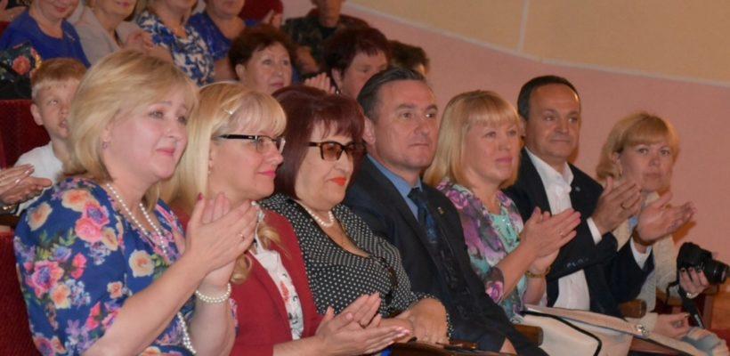 Г.Н.Гнускина вручила сасовским медработникам подарки и благодарственные письма