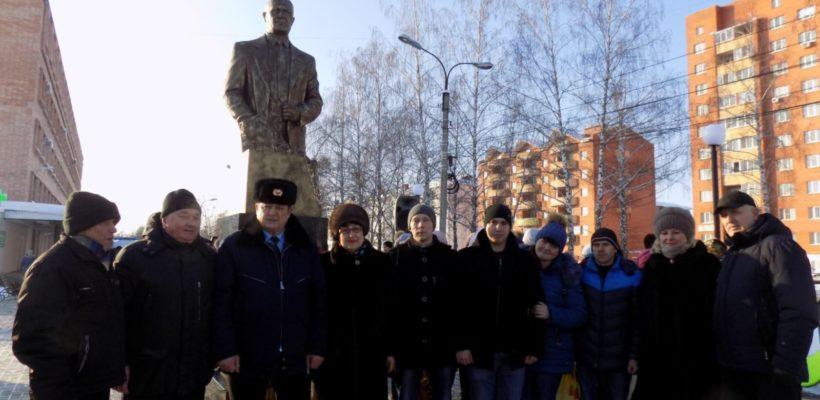 В Сасово состоялось открытие памятника великому советском конструктору Николаю Макарову