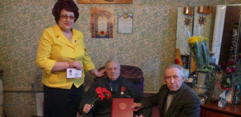 «Гордимся тем, что такой человек-легенда живёт среди нас!». Сасовские коммунисты поздравили М.М. Воронина с вековым убилеем