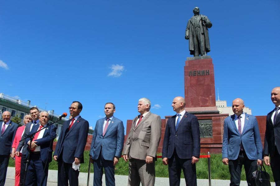 Юрий Афонин в Казани: Открытие памятника Ленину – событие федерального масштаба