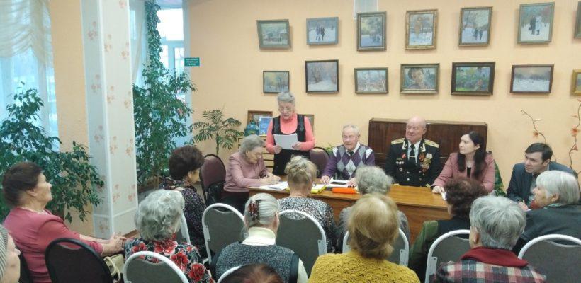 Депутаты-коммунисты провели встречу с ветеранским активом