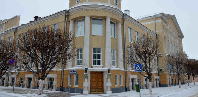 Профильный комитет протащил предлагаемый состав топонимической комиссии на рассмотрение городской Думой. Коммунисты и общественность против!