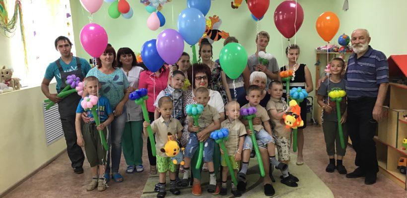 Здесь всегда должны смеяться дети. Галина Гнускина поздравила коллектив Сасовского социально-реабилитационного центра с Днём защиты детей