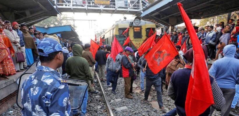 В Индии проходит общенациональная забастовка. К протестам присоединились около 200 млн человек