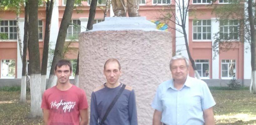 Ремонт памятника В.И.Ленина в военном городке Дягилево
