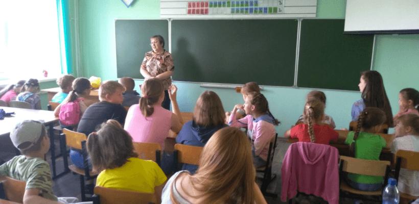 """""""Язык — это оружие, которое нельзя отдавать противнику"""". В Сасовском детском лагере прошёл познавательный урок"""