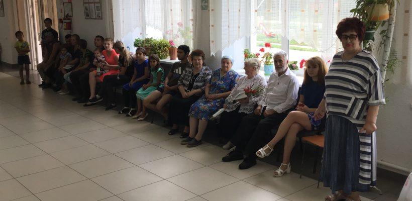 В Огарёво-Почково прошла встреча ветеранов с депутатом областной Думы Галиной Гнускиной