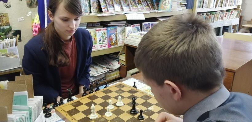 В Тумской средней школе стартовал турнир по шахматам