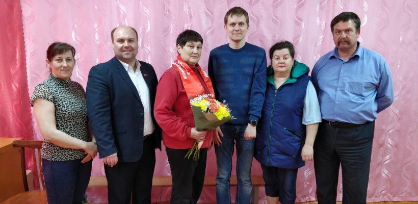 Захаровский район. Коммунисты встретились с сотрудниками Елинской средней школы