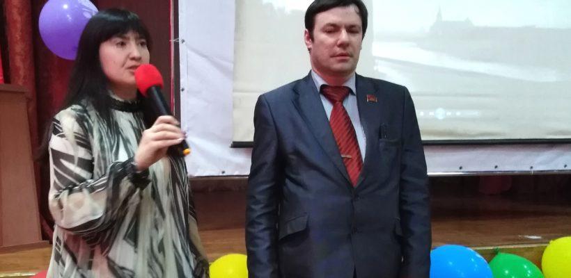 Депутаты-коммунисты провели «Урок мужества» для учащихся