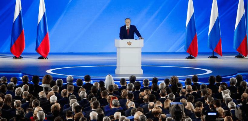 Российская политическая система - это самодержавие, обшитое парламентскими досками