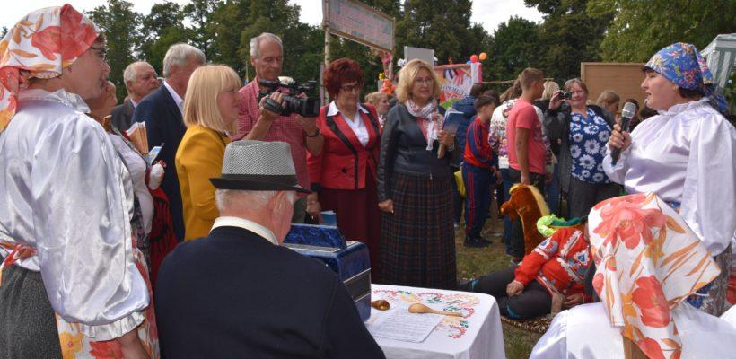 Галина Гнускина на 90-летнем юбилее Сасовского района