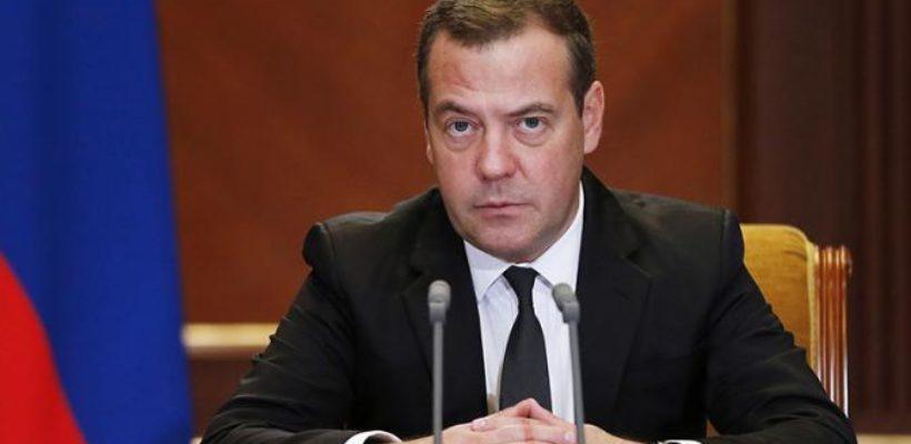 Рокировочка-2: У Медведева очень неплохие шансы снова стать президентом России