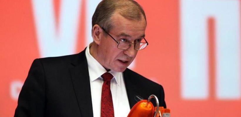Борьба за власть: «Красного губернатора» Левченко травят в угоду «черным лесорубам»