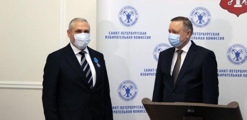 Путин наградил Орденом Почета главу петербургского избиркома, которого обвиняли в массовых нарушениях. Памфилова: «Я не верю»