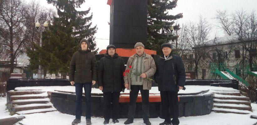 Касимовские коммунисты и комсомольцы почтили память В.И.Ленина
