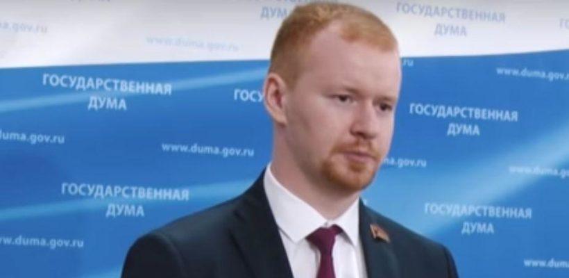 Денис Парфенов: Раньше банкиры раздевали клиента до гола, теперь только до носков