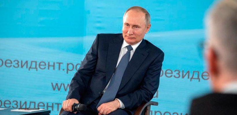 Путин допустил, что из-за пандемии голосовать 22 апреля придется на дому, так что наблюдатели не понадобятся