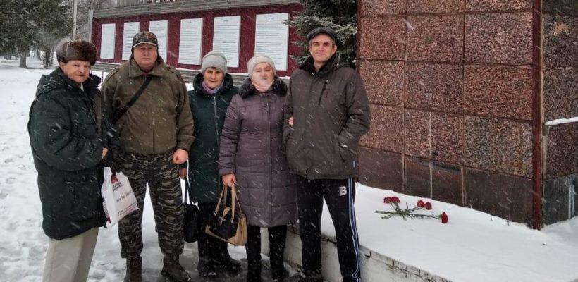 Ермишинские коммунисты возложили цветы к памятнику В.И.Ленину
