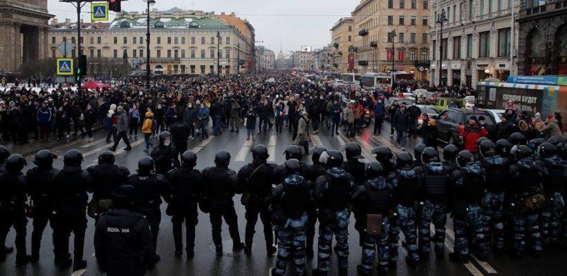 Денис Сидоров: Копившаяся в людях злость выплеснулась на улицы