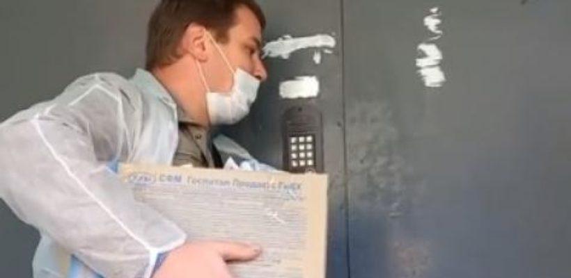 В Октябрьском районе члены УИК выезжали на дом к жителям, которые их не вызывали